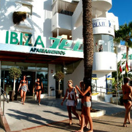 Staying in Ibiza: How to choose the right hotel?